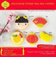 Decorating Chinese New Year Cookies