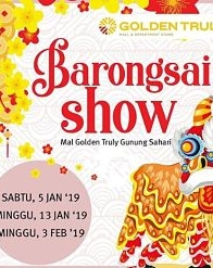 Barongsai Show at Golden Truly