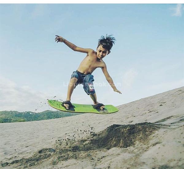 Sandboarding Gumuk Pasir Bachan