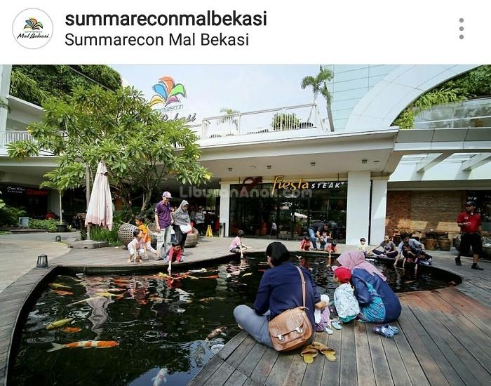 Kolam Ikan Koi di Summarecon Mal Bekasi