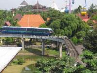 "Monorail ""Titihan Samirono"" TMII"