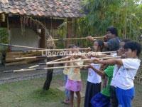 Komunitas Hong: Surga Permainan Anak Tradisional