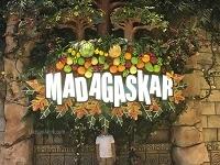 Berwisata Kuliner di tengah Hutan Rimba MADAGASKAR INDONESIA