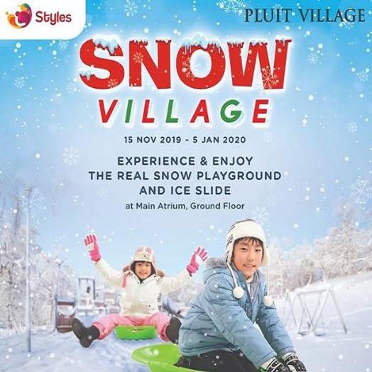 Snow Village di Pluit Village Desember 2019