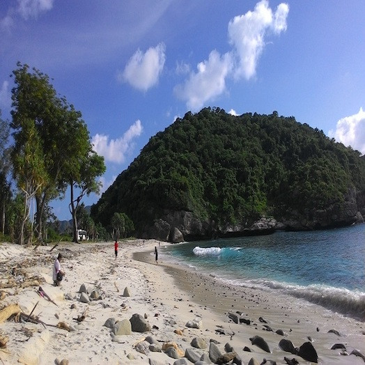 Pantai Maluk